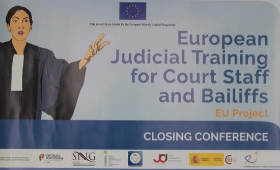 Tolken voor juridische conferenties
